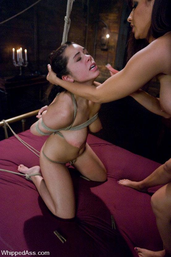 porno-golie-na-krovati